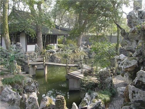 古典园林雕刻不只是作为游憩之用,并且具有保护和改善环境的功能