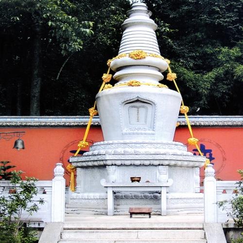 寺庙雕刻经幢